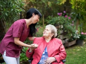 Kennen Sie eine pflegebedürftige Person, für die eine häusliche Betreuung infrage kommt?
